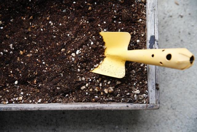 プランターの土の入れ替えによる土の廃棄処分【個人のお客様ご利用事例】